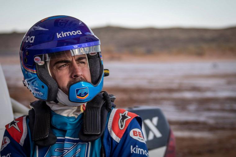 F1 Forma-1 Fernando Alonso tereprali Toyota Hilux Dakar-rali Stephane Peterhansel Jutta Kleinschmidt