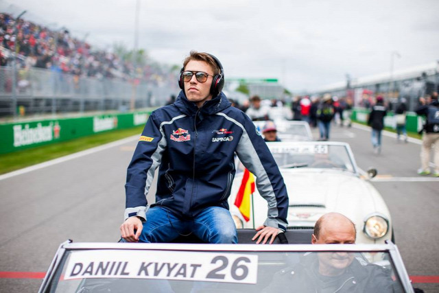 F1 Forma-1 Danyiil Kvjat Toro Rosso Red Bull Mark Webber