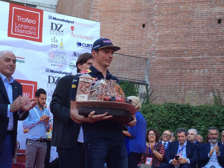F1 Forma-1 Max Verstappen Red Bull Lorenzo Bandini-trófea Toro Rosso Christian Horner