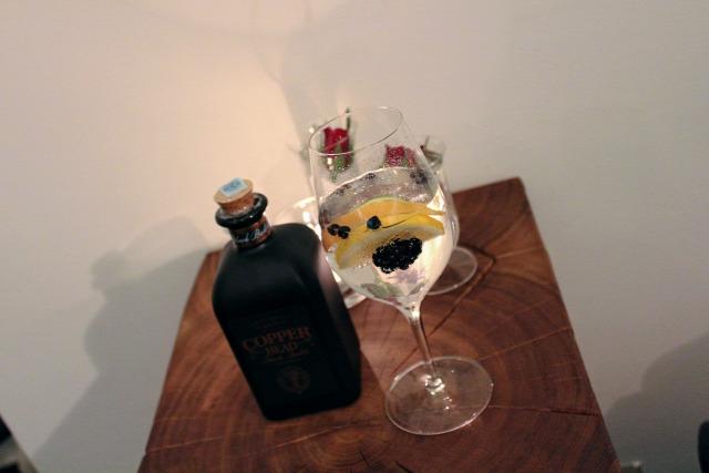 receptúra macsai bence gents club gin tonic negroni copperhead gin fentimans tanqueray drambuie campari bcn bluecoat angostura bitters clover club