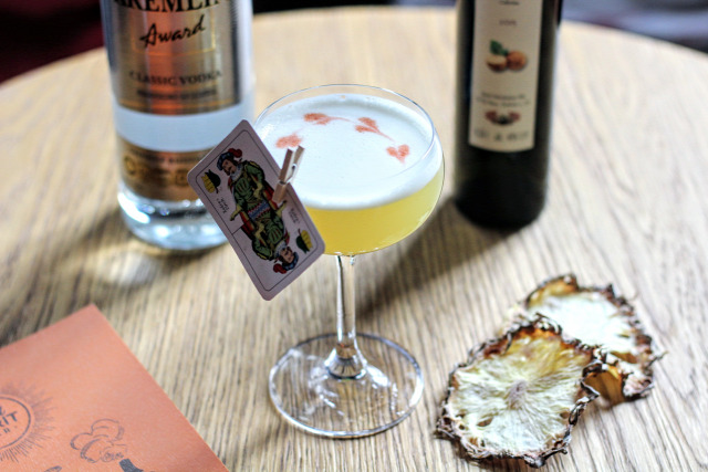 receptúra goodspirit leaves your breathless breakfast at grannys haakons hope funky flamingo kremlin vodka brill pálinka pisco chartreuse sheep dip whisk(e)y scotch whisky diplomático rum kwai feh angostura bitters scrappys bitters