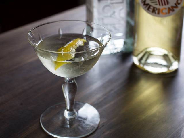 receptúra white negroni gin beefeater dolin cocchi americano suze