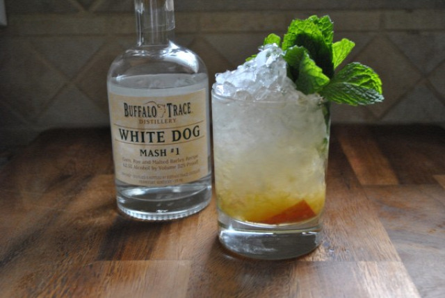 whisk(e)y white whisk(e)y buffalo trace receptúra peach and ginger smash