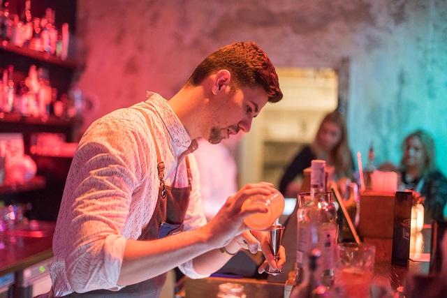 sin limites receptúra gózon péter rum campari bacardi