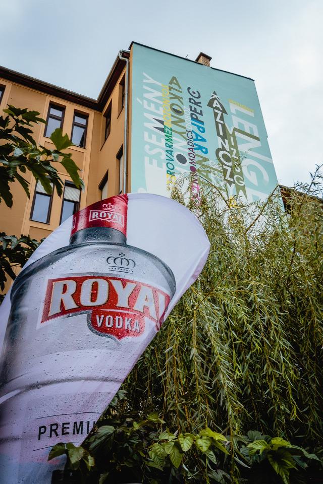 színes város royal vodka