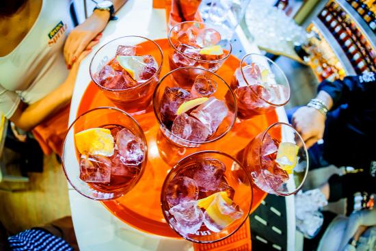 Aperol aperol spritz wossala rozina loris contro milano-torino Campari aperitivo