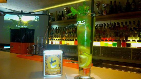 dilmah kóstoló kottra dezső kántor enikő bols mixer akadémia vodka rum gin sailor jerry hendricks cointreau mojito