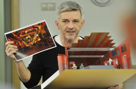 Alföldi Róbert az olvasópróbán (fotó: Éder Vera)
