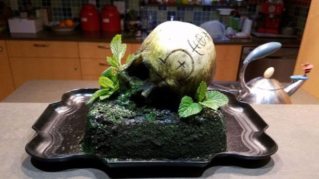 hétvégi dizájn torta koponya