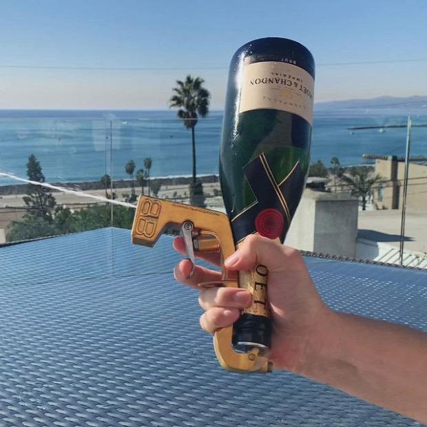 dizájn parti buli pezsgő pisztoly