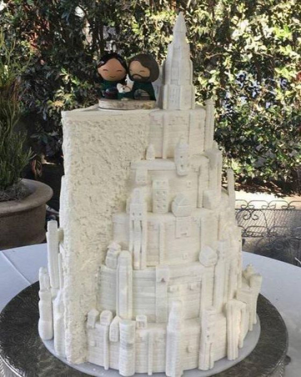 hétvégi dizájn Gyűrűk ura város fehér torta esküvői