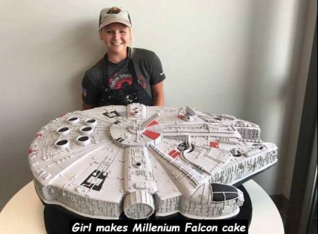 Hétvégi dizájn torta Star Wars SW Millenium Falcon