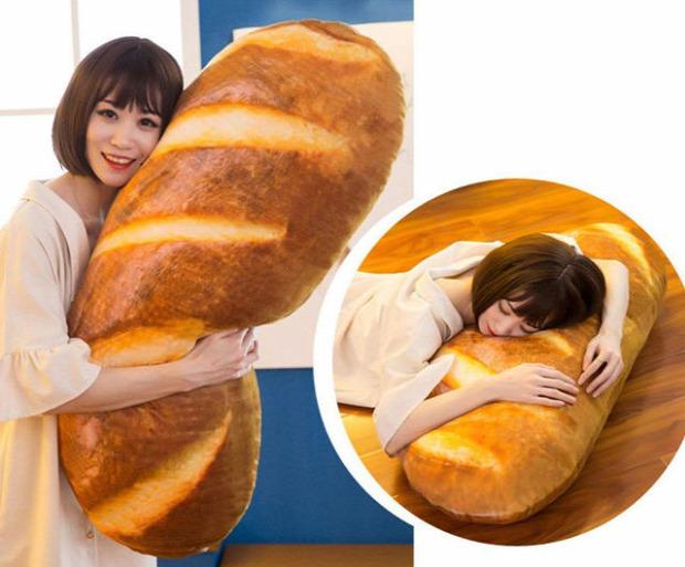 Hévégi dizájn kenyér párna