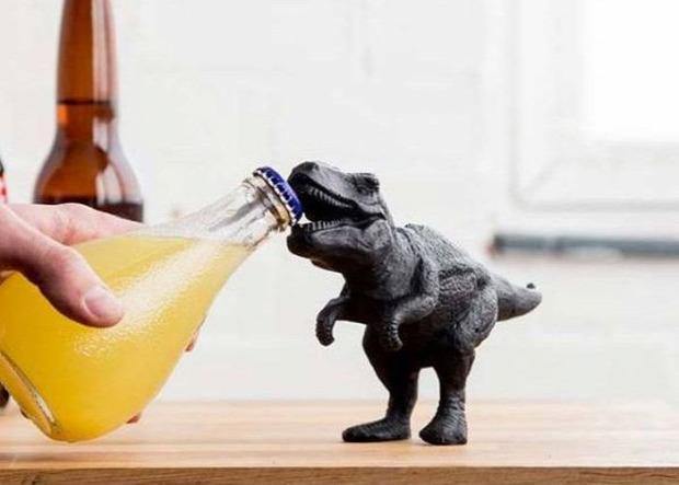 hétvégi dizájn sörnyitó T-Rex