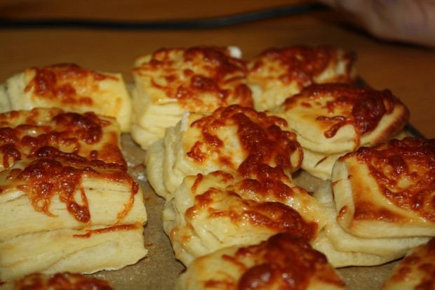 recept tészta pogácsa hagyma krumpli burgonya sajt