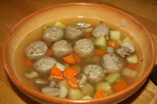 recept főétel melegétel leves gomba borsó gombóc húsgombóc pulyka