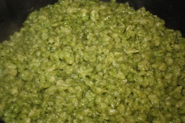 Recept főétel melegétel köret galuska nokedli zöld medvehagyma