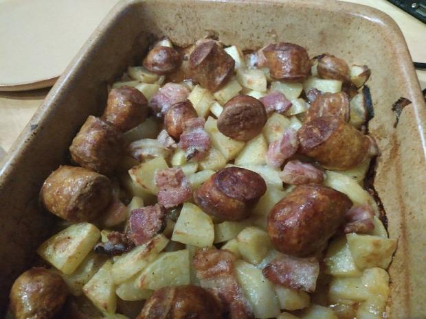 csicsóka recept főétel húsétel egytálétel kolbász szalonna melegétel