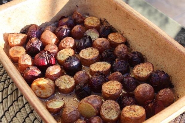 recept főétel melegétel köret burgonya lilahagyma libazsír