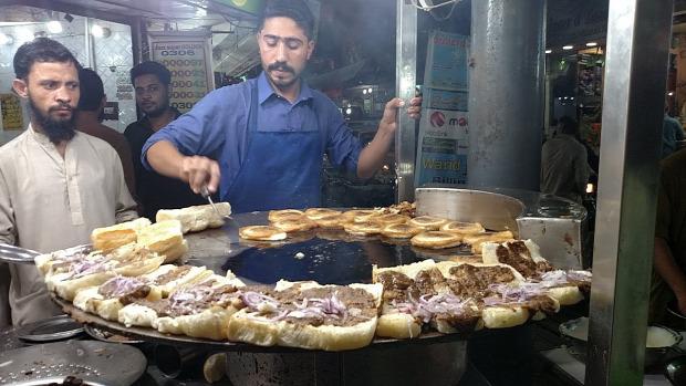 videó street food Pakisztán Karachi