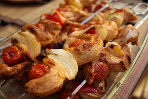recept melegétel főétel húsétel grill nyárs csirke zöldség kígyó