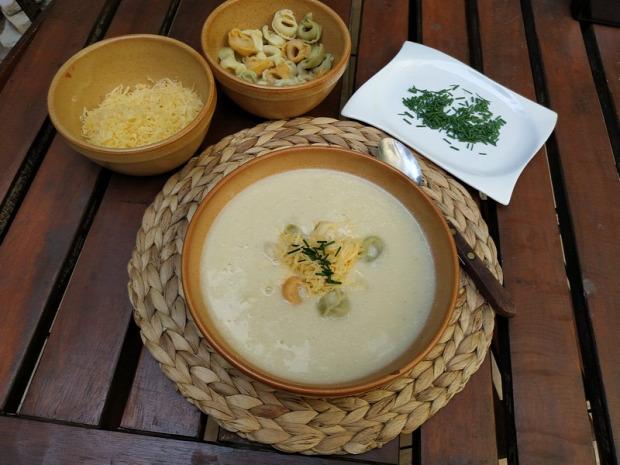 recept főételű melegétel leves krémleves cukkini pikáns bor tortellini