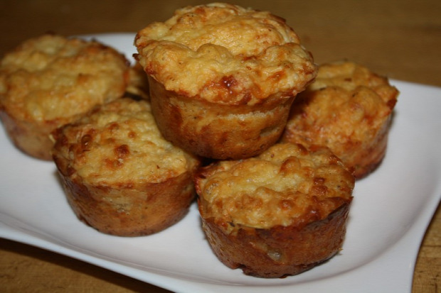 recept főétel tészta muffin sós sajtos