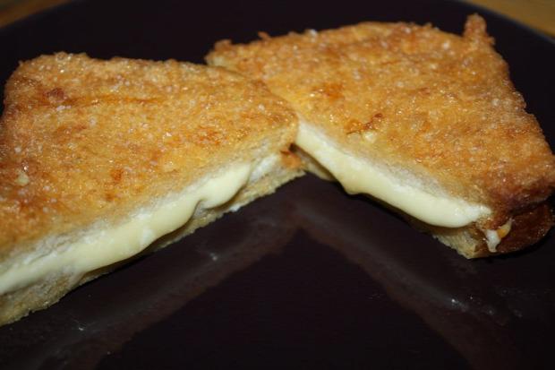 recept melegétel szendvics bundáskenyér sajtos
