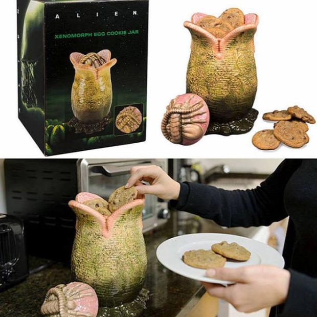 Hétvégi dizájn sütitartó Alien 8. utas tojás
