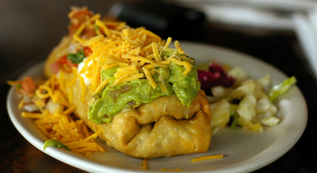 tex mex mekikói chimichanga vegetáriánus tortilla cheddar recept vega húsmentes hétfő
