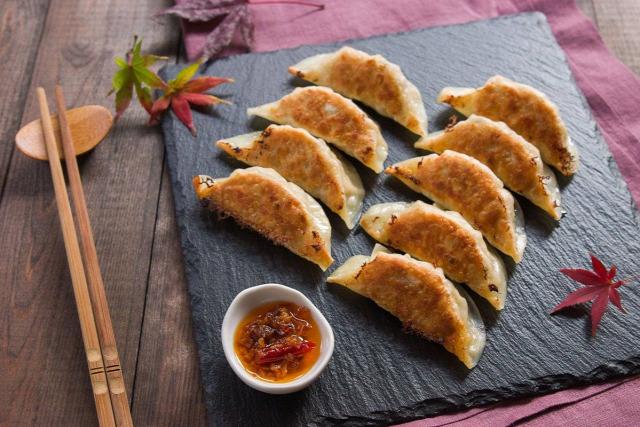 gyoza gombóc ázsiai konyha csiaoce japán konyha kínai konyha tészta makifood Maki Stevenson család szójaszósz ponzu di dim sum street food
