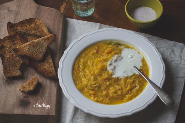 újév szilveszter sertés sertéssült malac korhelyleves leves tél vöröslencse savanyú káposzta vegetáriánus
