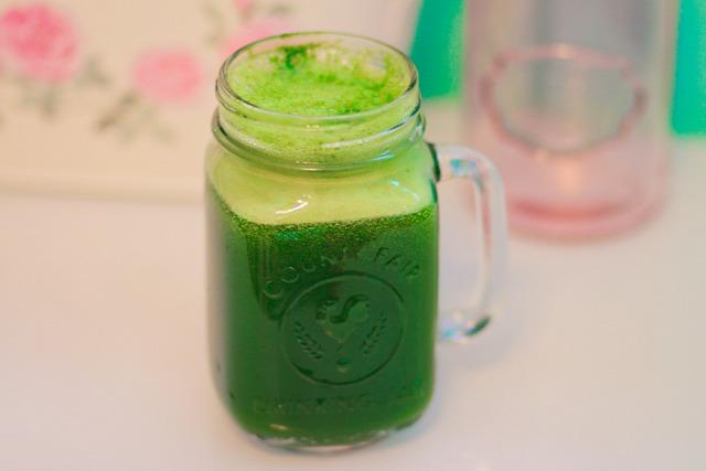 fodros kel tél saláta zöldség vitaminforrás juice zöld lé