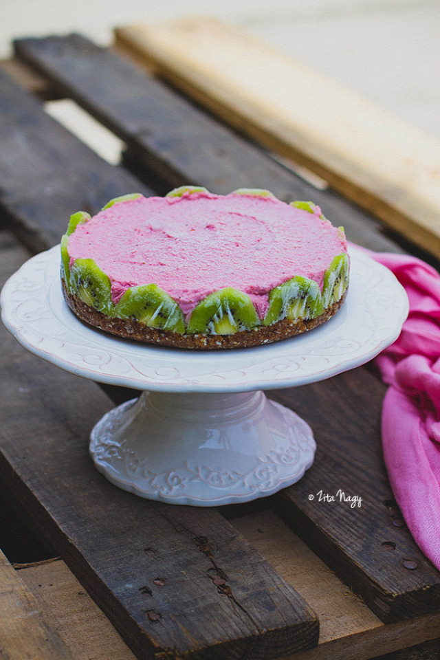 eper desszert recept kivi nyers vegán vegetáriánus torta zizikalandjai kesudió lime