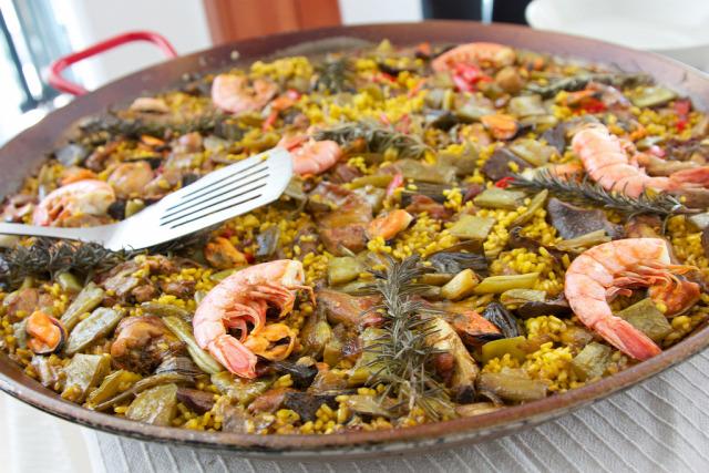 recept paella rizs ázsiai kókusztej egytálétel királyrák kagyló tenger gyümölcsei scampi