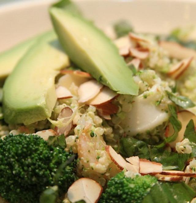 quinoa csirke egytálétel