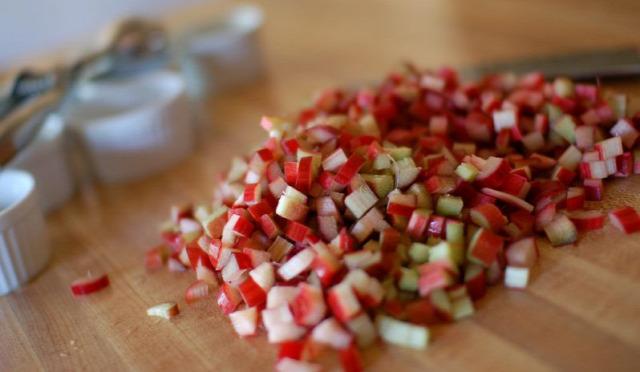 rebarbara eper nyár június chutney sárdi dani recept csatni