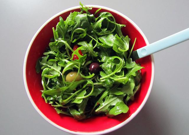 grillezés csirke saláta nyár  rukkola