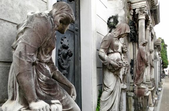 A Recoleta temetőt legendák lengik be