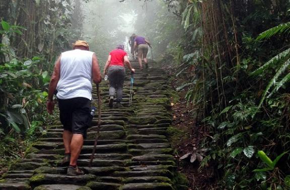 1200 lépcsőfok a célig