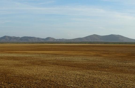 Unalmas sivatagon át vezet az út Cabo de la Velába