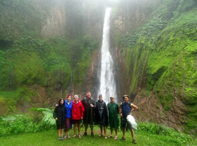 Costa Rica Guayabo Irazú-vulkán Catarata del Toro Ujarrás