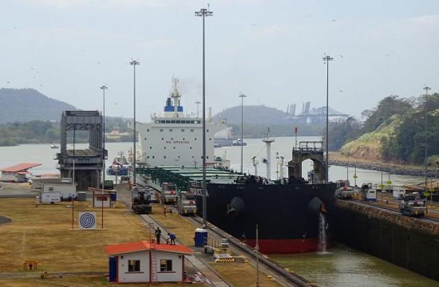 Minden hajó maximum 32 méter széles lehet