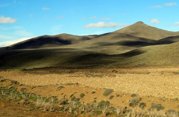 Klasszikus patagóniai táj valahol Esquel és Perito Moreno között