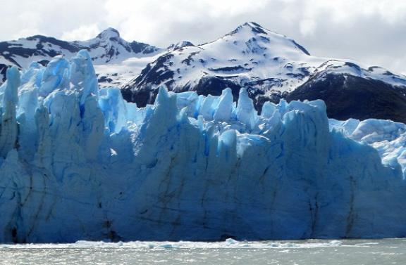 A gleccser a hajóról fotózva