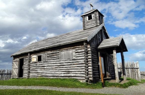 Minden épület, a templom is fából készült