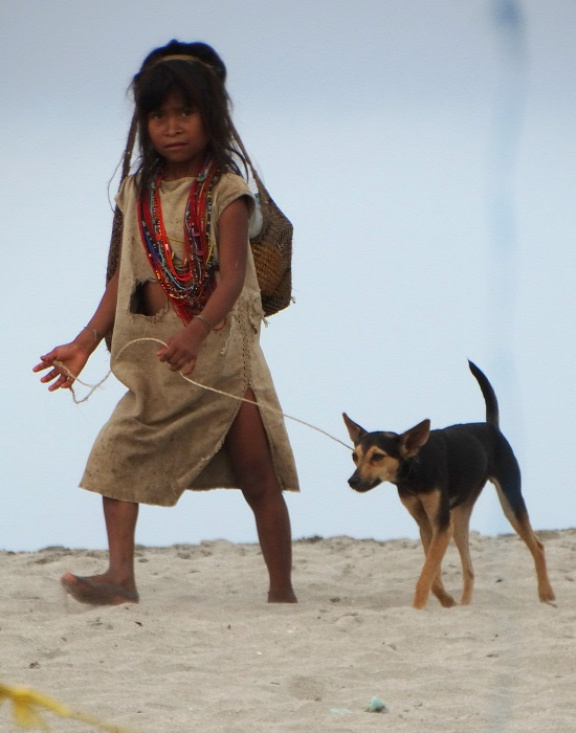 Titokban készített fotó az egyik kogi kislányról
