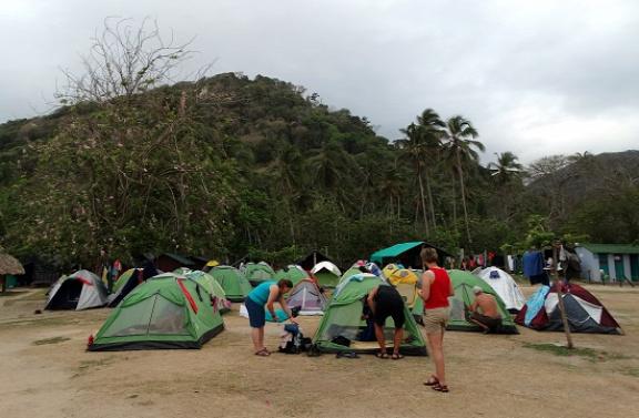 Miénk lett az utolsó négy sátor