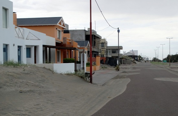 Betemeti a homok a kihalt várost
