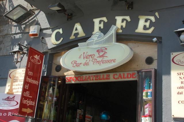 Nápoly Olaszország kávéházak mogyorós kávé